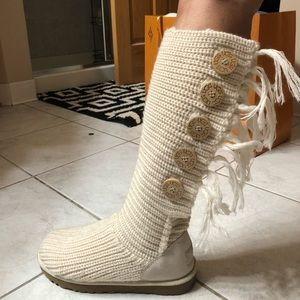 BRAND NEW never worn UGG white fringe boots
